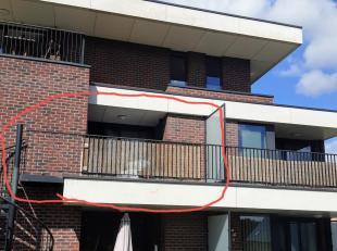 Nieuwbouw app op 1ste verdieping 1slp geïnstalleerde keuken,badkamer met douche,lift,garage met kelderberging <br /> Huurprijs 600€<br /> Kosten