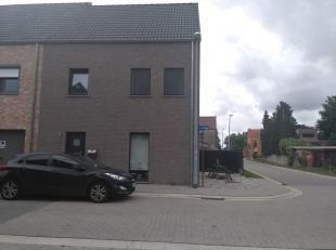 Nieuwe energiezuinige woning in een residentiële verkaveling aan de stadsrand van Aarschot. In de nabije omgeving van scholen, winkels en het openbaar