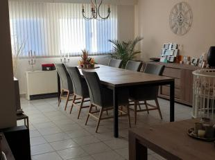 Recent gerenoveerde ruim appartement op het gelijkvloerse in een leuke en rustige omgeving.<br /> Deze goed onderhouden appartement beschikt over een