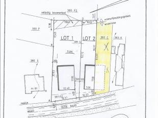 Half open bouwgrond 9are 37ca.rustig gelegen,open uitzicht aan de kanaal.<br /> Straatbreedte:ongeveer 10.20m Diepte ongeveer 90m<br /> gelieve contac