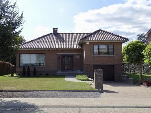 Woning met mooie ruime tuin in het centrum van Riemst.<br /> Dichtbij ligt er Maastricht Tongeren en Bilzen. Goede verbinding met de E313. De woning b