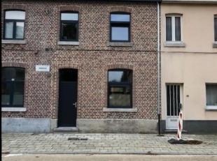 In optie!<br /> In hartje Runkst vindt u deze volledig van A tot Z in 2019 gerenoveerde stadswoning. <br /> <br /> Bij deze totaal renovatie werd bijz