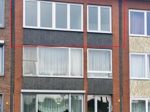 Instapklaar  appartement (met garagebox) op de tweede verdieping met twee slaapkamers en terras op centrale locatie te Deurne!<br /> <br /> Dit appart