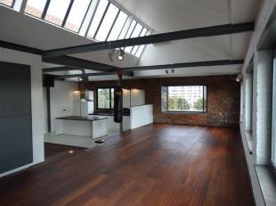 Disponible à partir du 1er mars 2020.<br /> <br /> Ce magnifique loft est situé dans une authentique usine de textile. Le loft est caractérisé par une