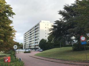 Mooi gerenoveerd en ruim appartement op de 8ste verdieping met prachtig vergezicht van Leuven, inclusief private garagebox, private kelderberging, ges