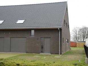 Prêt à emménager dans la maison BEN HOB à louer<br /> Heifortstraat 3A, 9940 Ertvelde<br /> Niveau E = 25 ; EPC 55,42 kWh/m².<br /> sur 476 m² de surf