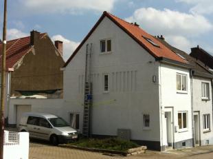 Maison entièrement rénovée en 2010 avec isolation de tous les murs et toiture. Chauffage au gaz (chaudière de 2009) chauffage par le sol au rez-de cha