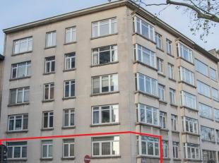 IN OPTIE!!!<br /> <br /> Met een oppervlakte van circa 100m2 en uitstekende ligging heeft dit<br /> appartement het nodige potentieel voor mensen die