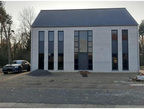 Villa te huur in Diepenbeek, € 1.345