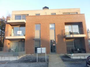 Appartement in een mooi centraal gelegen modern gebouw met 6 eenheden.<br /> 1e verdieping met Lift. 2 slaapkamers, gang, badkamer, leefruimte, ingeri