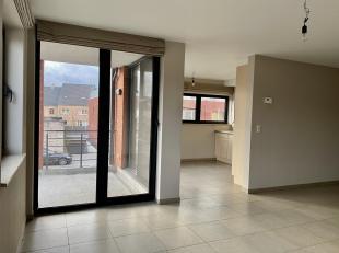 Recent zeer ruim appartement met terras, 2 slpk + parking.<br /> Dit degelijk appartement bevindt zich tussen de kleine en grote ring van Hasselt in d