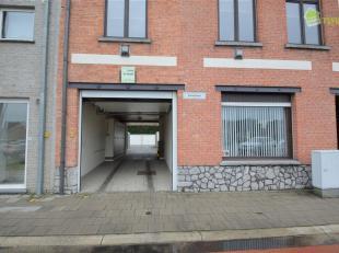 """Garageboxen te Appels. Gelegen in het residentie """"Esterella"""", Zandstraat 19-23. U dient via een sectionale hoofdpoort het garage complex in te rijden"""