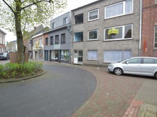 Appartementsgebouw bestaand uit 3 appartementen te Hamme Centrum<br /> Deze eigendom is zeer centraal goed gelegen, deze gunstige ligging op wandelafs