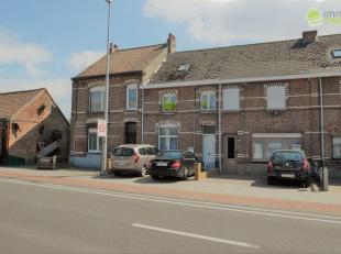 Op te frissen woning te Baasrode<br /> Ontdek deze woning gelegen op eenperceelvan1a 70cagroot en maar liefst eenbruikbare vloeroppervlaktevan160 m&su