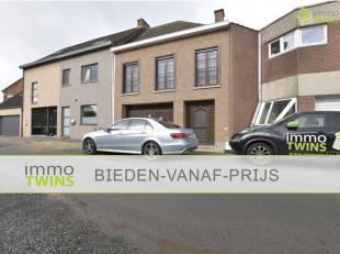 BIEDEN-VANAF-PRIJS|Opbrengstwoning met 2 appartementen te Sint-Gillis bij Dendermonde. Het ruim woonhuis is gebouwd (bj. 1975) in traditioneel metselw