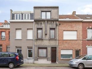 Een betaalbaar te renoveren huis vinden met 4 slaapkamers en met een perfecte oriëntatie, blijkt bijna onmogelijk. Bijna, want in de Paardenkerkh