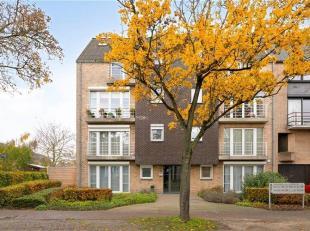 Een modern gelijkvloers appartement uit 2000 met tuin en garage in Mechelen-Zuid, biedt perspectieven voor wie rustig wil genieten. De Europalaan 44 b