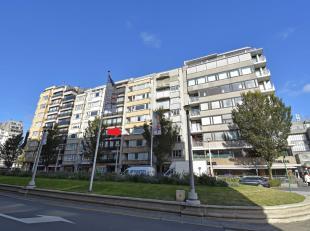 2 SLPK appartement met mooi zicht op het park, op wandelafstand van het centrum. indeling:Ruime inkomhall met toilet, LICHTRIJKE woonkamer, ingerichte