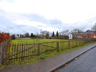 Bouwgrond (+- 640 m²) op residentiële ligging te Knesselare.Door groen omgeven bouwgrond (+-640m²) nabij het centrum van Knesselare. De
