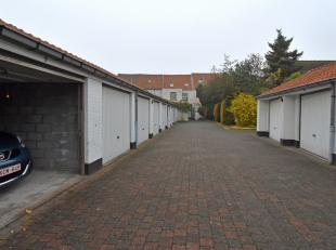 Ruime garagebox in een garagecomplex in het centrum van Brugge. Momenteel verhuurd, GOEDE investering! Het garagecomplex is afgesloten met een automat
