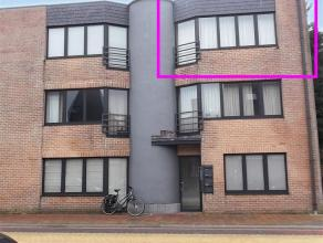 Volledig gerenoveerd 2 slaapkamer appartement met terras. Indeling : Living van 35m2 op laminaat. Nieuwe keuken met keramische kookplaat, dampkap, ing