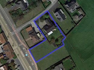 Deze ruime villa met zeer rustige ligging in een residentiële verkaveling bevindt zich nabij het centrum van Bellegem én vlakbij belangrij