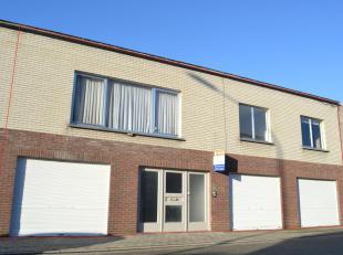 Deze eigendom ligt vlakbij het centrum van Gullegem, op wandelafstand van scholen en winkels.<br /> Een lichtrijke leefruimte met daarbij de verzorgde