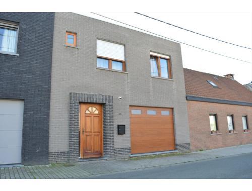 Maison à vendre à Wevelgem, € 219.000