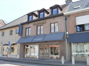 Deze eigendom is gelegen in het centrum van Kuurne, een commercieel zeer sterke ligging, super goede visibiliteit en heel wat parkeermogelijkheden.<br