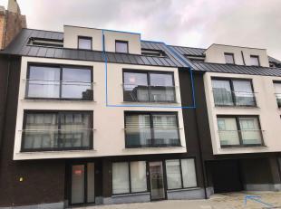 LEEMANS IMMOBILIEN vous propose cette duplex appartement au centre de Zellik. L'appartement est situé aux 2ème et 3ème éta