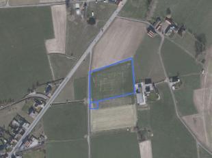 30Dit aanbod landbouwgrond is gelegen in Ledegem:<br /> <br /> Oppervlakte: 1 ha 30 a 60 ca<br /> Bestemming: agrarisch gebied<br /> Huidig gebruik: a