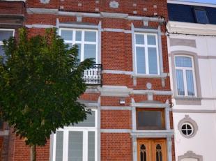 Dans le quartier du parc de la Ville de La Louvière, magnifique maison bourgeoise entièrement rénovée.<br /> Elle se comp