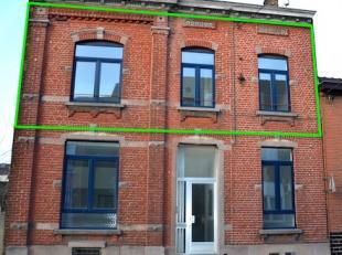 Dans un immeuble de type maison de maître remis à neuf entièrement de deux entités seulement, bel appartement sis au 1er &e