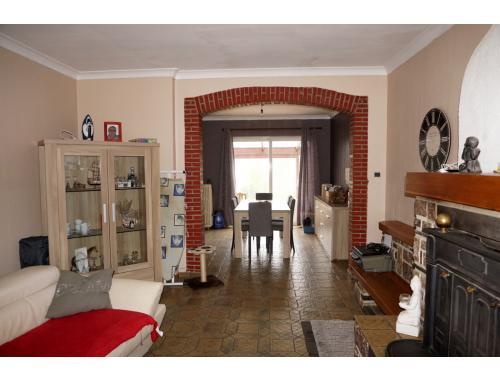 Maison unifamiliale à vendre à Erquelinnes, € 155.000