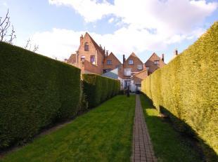 Instapklare CHARMANTE karaktervolle woning met 4 slpks, ZUIDgerichte tuin en GARAGE in het centrum van Brugge! KLEIN BESCHRIJF mogelijk!INDELING:Gelij