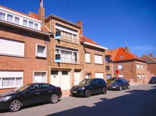 Interessant gelegen opbrengsteigendom met 2 verhuurde appartementen + opslagruimte (Vrij van gebruik) op interessante ligging te Blankenberge!INDELING