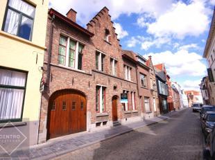 PRACHTIGE herenwoning met 4 à 5 slpks, mog. tot PRAKTIJKRUIMTE, bureel en STADSTUIN op TOPligging te Brugge!<br /> Deze woning is tevens uiterm