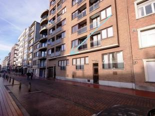 Gemeubeld 2-slpk appartement op wandelafstand van de Zeedijk te Blankenberge!<br /> INDELING:<br /> Gelijkvloers:<br /> Inkomhal - luchtige living voo