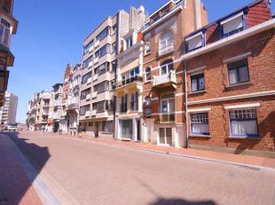 ENERGIEZUINIG en instapklaar gemeubeld appartement op wandelafstand van het CASINO en de ZEEDIJK!INDELING:Eerste Verdieping:Living met gaskachel en in