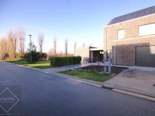 Rustig gelegen nieuwbouwwoning (doch aankoop onder registratierechten!), gebouwd volgens de recentste energienormen (Zonnepanelen inbegrepen!) met 3 r