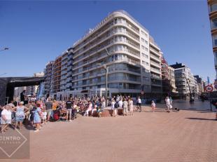 Kwalitatief afgewerkt en ZEER RUIM (160m²!) gemeubeld appartement op TOPligging op de Zeedijk van De Panne met 3 ruime slpks, 2 badks, garagebox