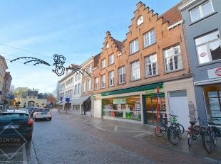 Appartement op TOPligging te Brugge, op wandelafstand van de Vesten, op wandelafstand van openbaar vervoer, winkels, scholen...!<br />  Eerste verdiep