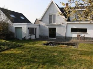 Gerenoveerde villa op 10are 55ca met 4/mogelijk 5 slaapkamers te Kampenhout. <br /> Het gelijkvloers van de woning bestaat uit inkom met apart WC, tra