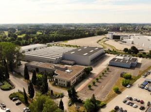 Nieuw bedrijvenpark met units te koop of te huur van 76 m² tot 3262 m².  Elke mooi afgewerkte unit beschikt over een sectionaal poort, beton