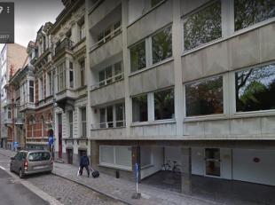 OVERDEKTE PARKINGPLAATS (OP -1) NABIJ CITADELPARK EN STATION GENT ST PIETERS<br /> Overdekte autostaanplaats in de ondergrondse verdieping van Res. Ul