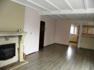 Ruim 3 slaapkamer appartement gelegen nabij Gent (Drongen)<br /> Het appartement is gelegen op de eerste verdieping van een gebouw met 2 bouwlagen.<br