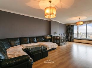 U zoekt een RUIM appartement mét lift, waar er nog enkele renovatiewerken aan mogen gebeuren ?<br /> Daarnaast bent u graag SNEL op de verbindi