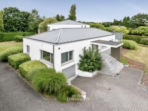 VIRTUELE RONDLEIDING BESCHIKBAAR !<br /> In de meest vooraanstaande wijk van Kontich, aan het Tanghof, ligt deze ruime, moderne villa op een mooi perc