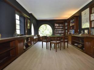Luxueuse villa Anglo-Normand de 900 m² logée sur 10 ares avec dépendance et grande piscine couverte sur 140 m², magnifique bar