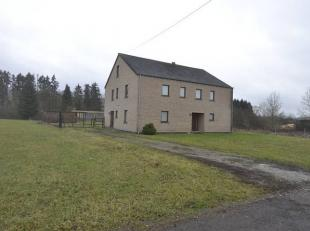Grande villa de construction récente sur 17 ares. Idéal pour profession libérale (2 entités séparées).Locali